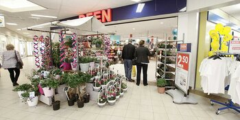 """Deen slaat terug: """"Zo Wakker Dier! 25 procent knalkorting op vega vleesvervangers"""""""
