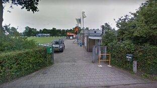 """Verdorde voetbalvelden VV Limmen door verkeerde onkruidbestrijding: """"Jerrycan Roundup van 14 jaar oud is gebruikt"""""""