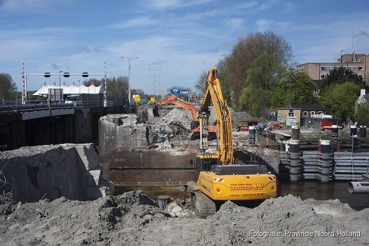Leeghwaterbrug (N242) half jaar later opgeleverd
