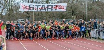 Ruim 500 atleten aan de start van de 3e AVC Strand- en Duinloop