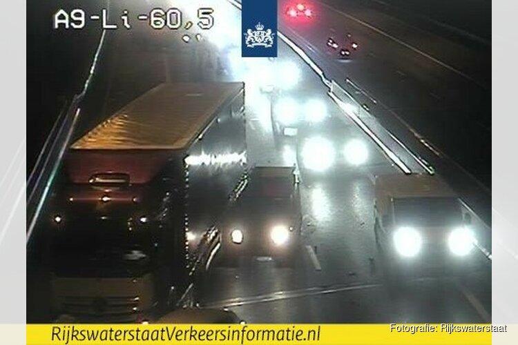 Lange file door ongeval A9 bij Uitgeest