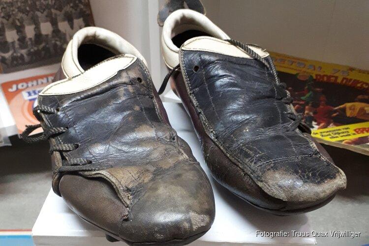 Met je voetbalverzameling in museum Kennemerland
