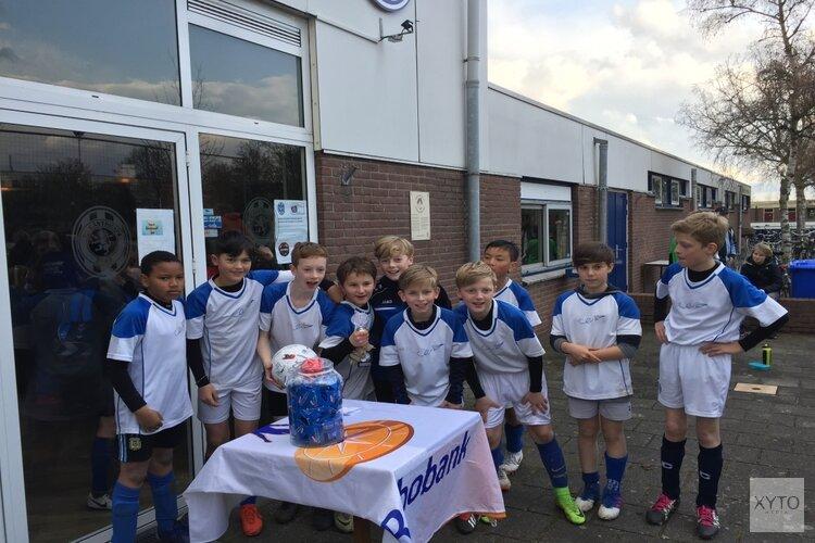 Visser 't Hooft winnaar Rabobank schoolvoetbaltoernooi