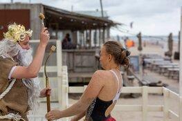 Neptunus doopt strandleden Castricumse Reddingsbrigade